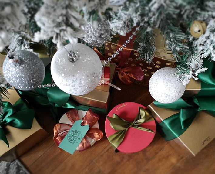"""DIY emballage cadeau de Noël zéro déchet, recyclés, écolos et réutilisables par """"Je ne suis pas une poule"""""""